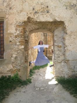 Sr. Teresa auf der Ruine Landskron