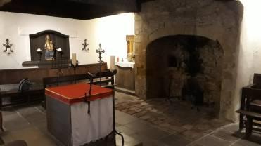 Im Haus des hl. Dominikus (an dem Ort, wo er damals wohnte). Das Haus ist jedoch jüngeren Datums.